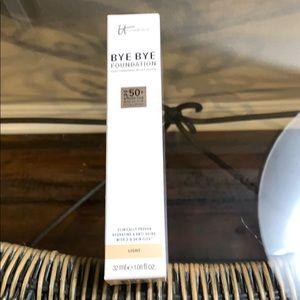 BNIB It Cosmetics BYE BYE Foundation